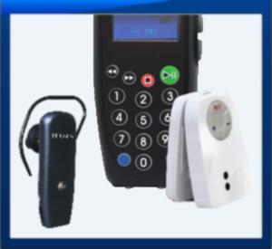 Радиогиды разрешенных диапазонов 2.4 ГГц или 863-865 МГц, слева направо: 1) Small Headset - в мире это самый маленький и легкий приемник радиогида. 2) K4 - передатчик-аудиогид (в радиосистемах односторонней связи может использоваться вместо обычного передатчика). В память передатчика-аудиогида можно записать контент аудиоэкскурсий на разных языках. Групповод выбирает фрагменты экскурсий и/или говорит в микрофон - экскурсанты группа слушают рассказы в своих приемниках. 3) Clip - приемник в оригинальной и удобной форме зажима на одежду